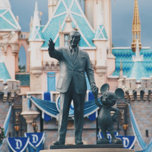 Walt Disney World vs Disneyland - What's the Difference?