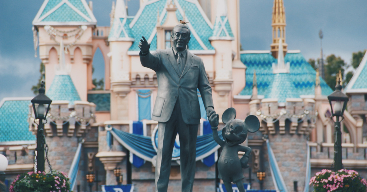 Walt Disney World vs Disneyland – What's the Difference?