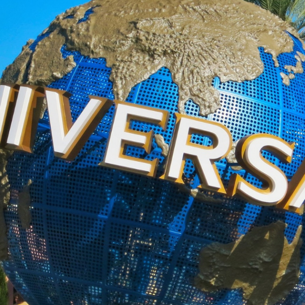 Experience Universal Studios with a Mobility Scooter Rental Featured Image